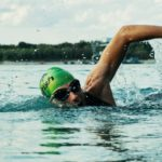 7 motivos para usar tapones en los oídos para nadar